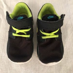 Nike toddler boys size 5c play condition